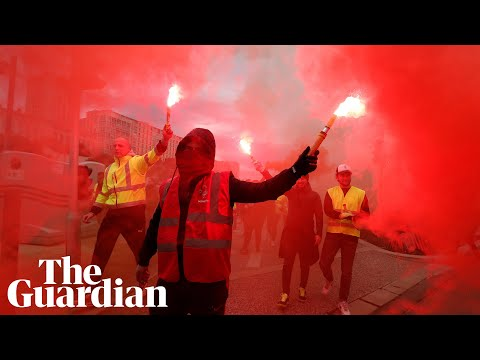 'Everyone is on the streets': strike forces France to a halt
