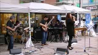 26th Oct.2014 Funabashi Music Street (Tokyo JP) vo:Esther Hiromi, ...