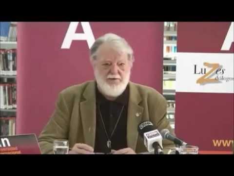 Max-Neef: Bancos, pobreza, explotación laboral y estratificación social.