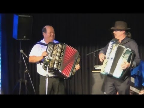 Una Amor Accordion Mix