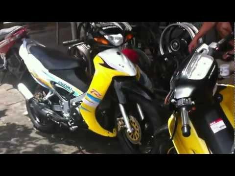 2 Xe SaTria vàng trắng đen