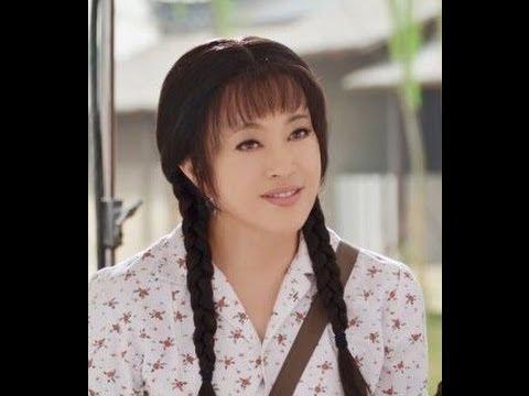 真是够了!59岁刘晓庆Liu Xiaoqing奶奶再扮少女 我伙呆