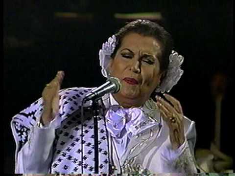 Download Lola Beltrán en Bellas Artes -SUFRIENDO A SOLAS-, 1990..VOB
