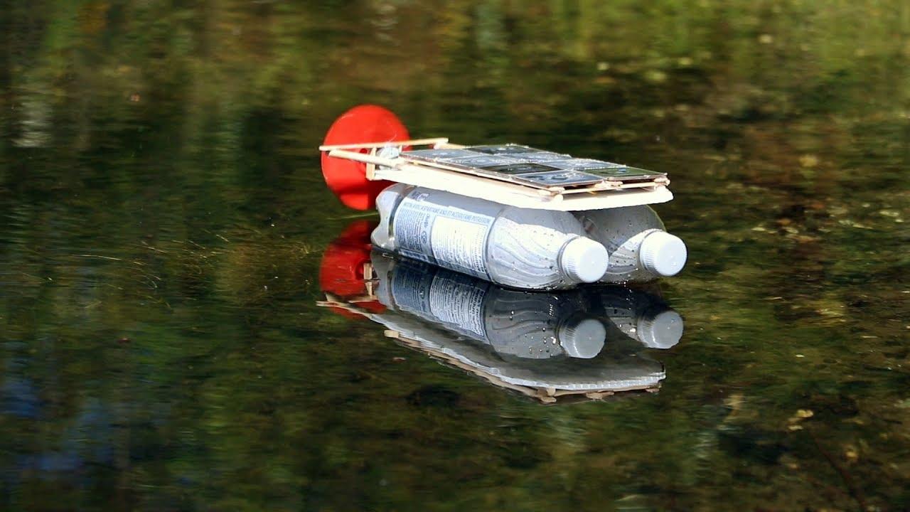 comment faire un bateau solaire avec une bouteille de plastique youtube. Black Bedroom Furniture Sets. Home Design Ideas