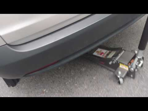 How to Jack Up and Put Jack Stands On a Honda CR-V