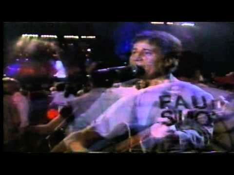 Paul Simon   21   America: From Paul Simon's Concert in the park in new york 1991