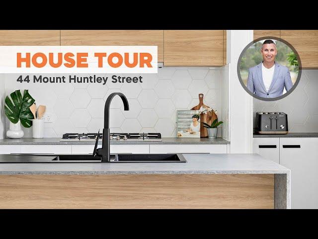 HOUSE TOUR   44 Mount Huntley Street, Park Ridge   CHRIS GILMOUR