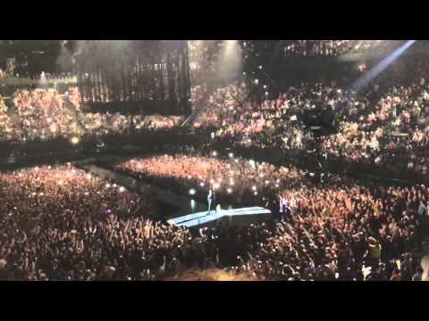 Entrée de U2 à Bercy. - Concert du 6 décembre 2015