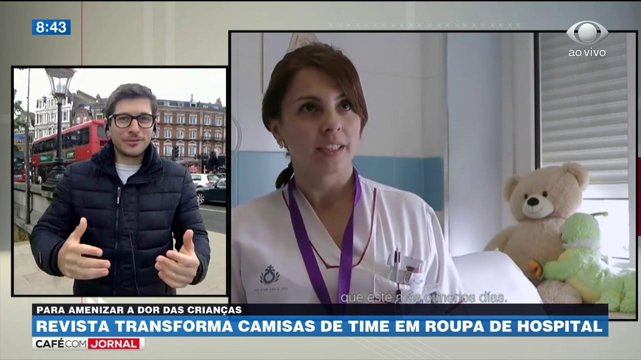 cae851a6a Revista transforma camisas de time em roupas de hospital - YouTube