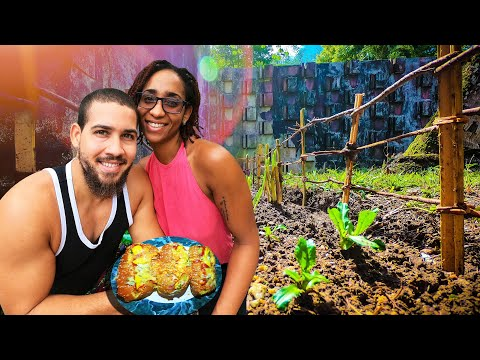 GARDENING!!!! | WE NEED HELP!!!!! | WE BUILT A BAMBOO FENCE & MADE HOT DOGS |  Q-EPISODE 5