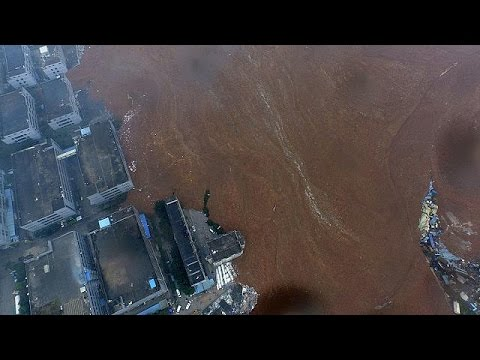 Buildings collapse in China landslide