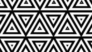 GEOmetric triangle loop B&W