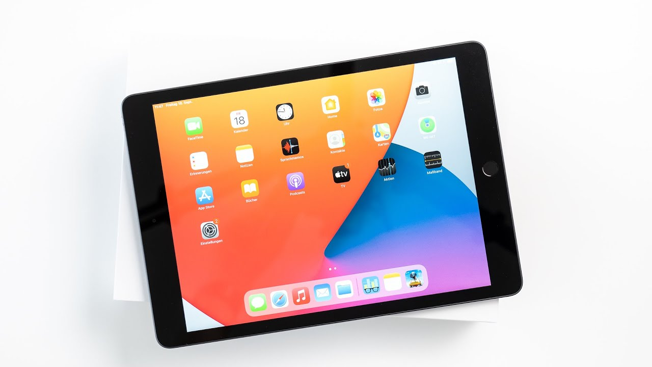 Apple iPad 8 Unboxing & Hands On
