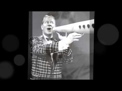 Rudy Vallee -- Winchester Cathedral --- Big Megaphone -- -60's Pop