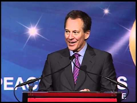 Attorney General Eric T. Schneiderman receives Community Service Award 2012