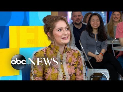 'Roseanne' star Emma Kenney dishes on the 's popular reboot