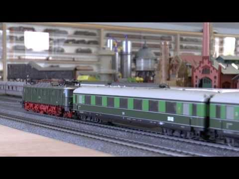 Märklin Berlin - Leipzig Express Train [ Märklin items 26509 & 43208 ]