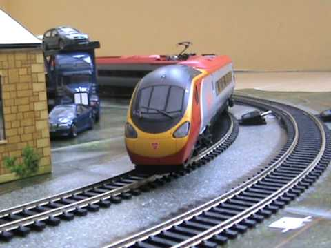 Hornby pendolino  train