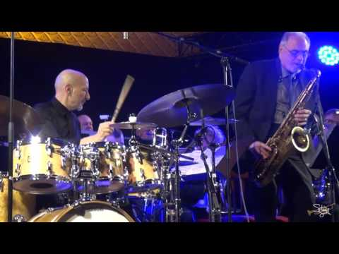 """Steve Smith Performs """"Dancing Men"""" with the Bobby Shew Big Band"""