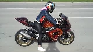 Шикарные девушки на мотоциклах