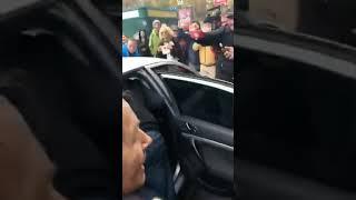 Таксист відмовляється везти Порошенко
