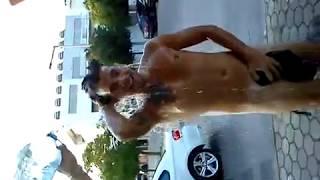 Repeat youtube video Banho Publico