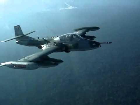 Aeronave interceptada por aviones A-37 FAP