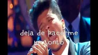 Valerie - Bruno Mars (Español) - Amy Winehouse Tribute VMA2011