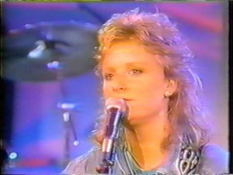 indigo girls: 1992-xx-xx the today show