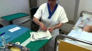 Repeat youtube video Cateterismo vescicale femminile