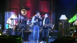 Tompi - Tak Pernah Setengah Hati ft. Glenn Fredly @ Central Park [HD]