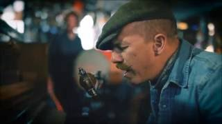 "Foy Vance - ""Ziggy Looked Me In The Eye"" (Acoustic)"