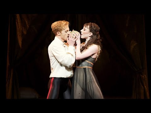 Mayerling – Bedroom pas de deux (Sarah Lamb, Steven McRae; The Royal Ballet)