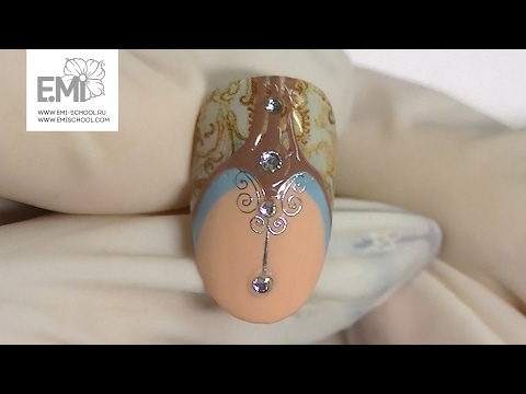 Геометрический дизайн ногтей гель-лаком. Красивый синий маникюр.