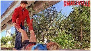 Кларк Кент против Супергёрл | Тайны Смолвиля