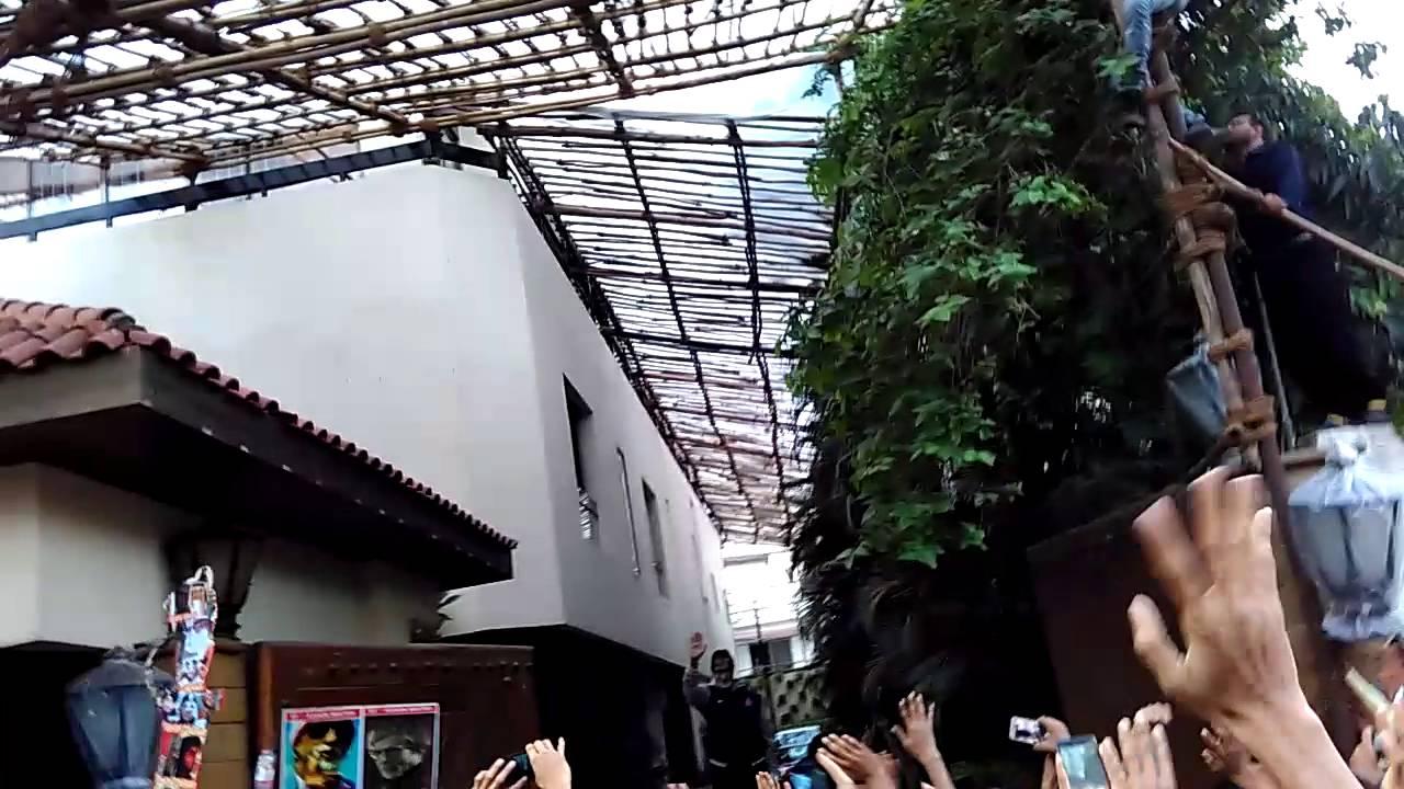 Jalsa house inside a metal building