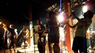 Chico Trujillo - La Escoba - Neltume 2011