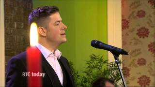 Simon Casey Sings