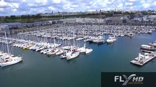 Visite du port de Brest par un drone dans le ciel de Bretagne