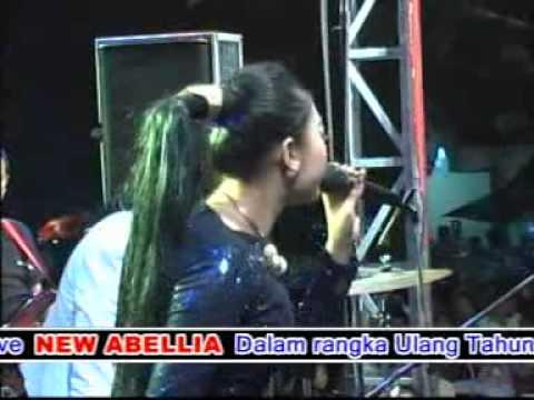 Keloas-Deviana Safara-New Abellia Live Kedamean Kendang Cak Met Live terbaru 2015   Co