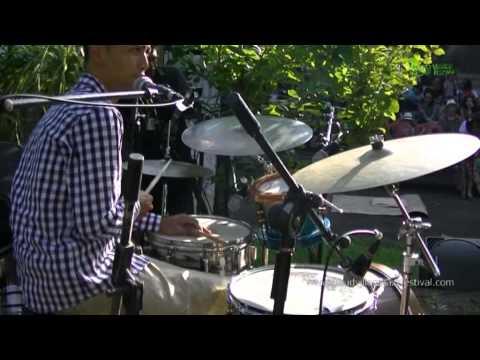 "BALI JAZZ ETHNIC Gustu Brahmanta Trio ""Uber Barong"" Ubud Village Jazz Festival 2014"