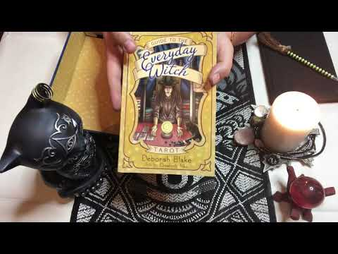 Everyday Witch Tarot Deck Review