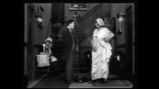 Charlot apprenti ( Work ) 1915