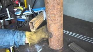 Как приварить трубопрофиль к круглой трубе.(Хотите сварить забор? Тогда это видео пригодится., 2016-05-02T22:23:35.000Z)