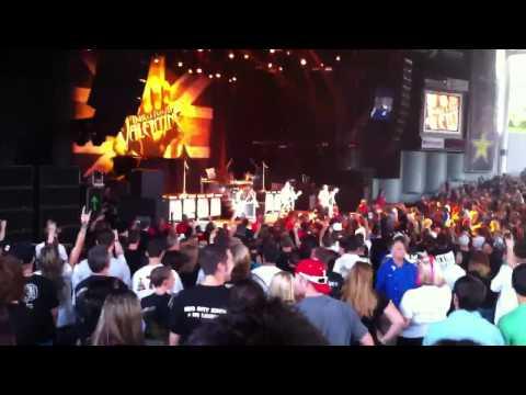 Bullet For My Valentine. Tears Don't Fall. Rockstar Uproar 2011 DTE Energy MI