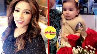 بالفيديو - ابنة مهيرة عبدالعزيز تقتحم الاستديو.. شاهدوا رد فعلها وهل تشبهها!؟