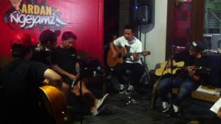 Blink 182 - Stay together for the kids acoustic  (  Pee Wee Gaskins cover)