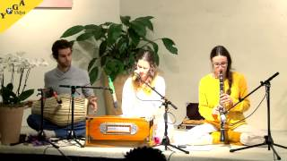 Shivaya Parameshwaraya with Devadas, Satyadevi und Anandini