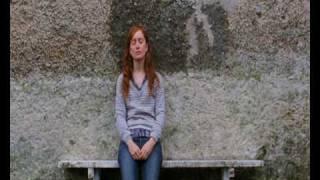 NOTHING PERSONAL (Trailer en castellano)