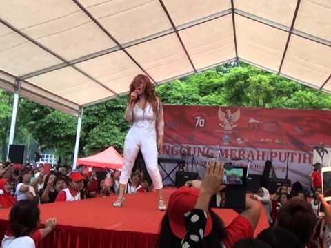 Arjunanya buaya-Inul Daratista-Panggung Merah Putih Hongkong 2015
